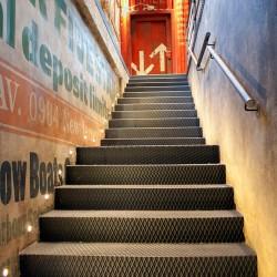 Diseño de escaleras en restaurantes,