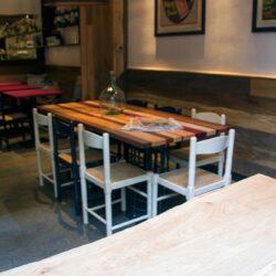 Mesa de diseño especial para el restaurante El racó del Aguir