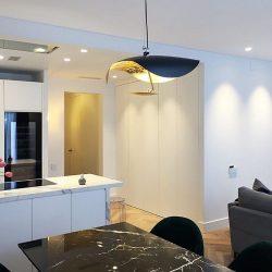 diseño de pisos modernos vista general salón y cocina